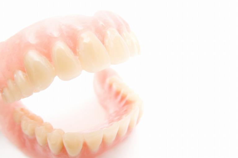 できるだけ快適で、長く使える入れ歯づくり